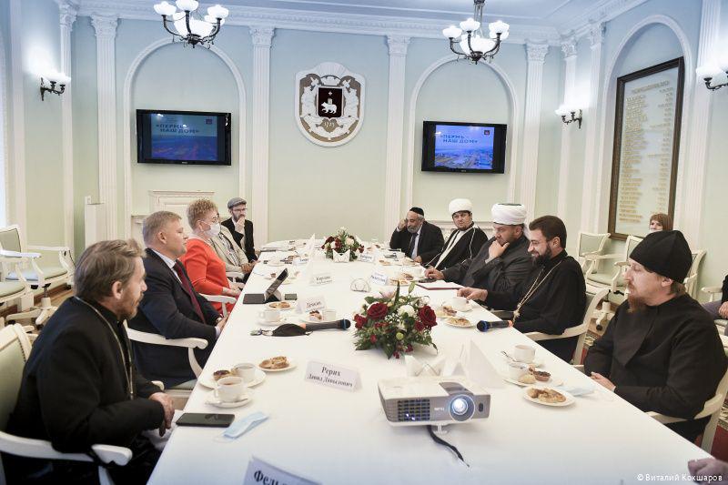 Глава Перми Алексей Дёмкин встретился с представителями конфессий